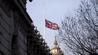 Kral Abdullah İçin Yarıya Çekilen Bayraklara Cameron'dan Cevap