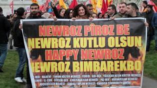 Londra'da Görkemli Newroz Yürüyüşü