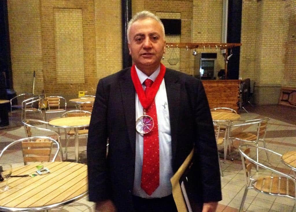 Haringey Belediye Başkan Yardımcısı Özbek'ten Barış Çağrısı