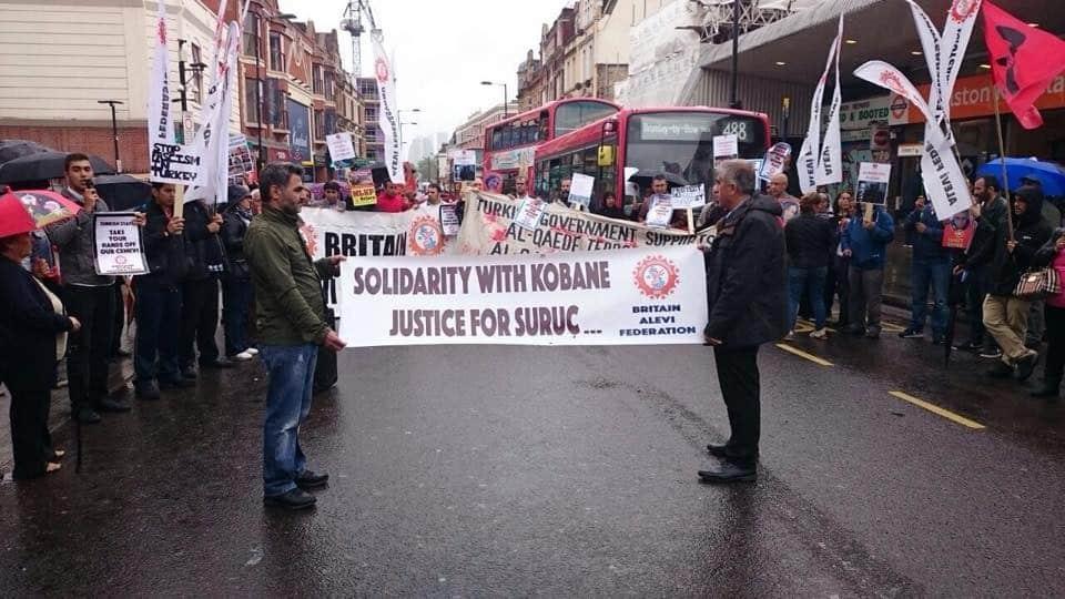 Gazi'deki Polis ablukası Londra'da protesto edildi