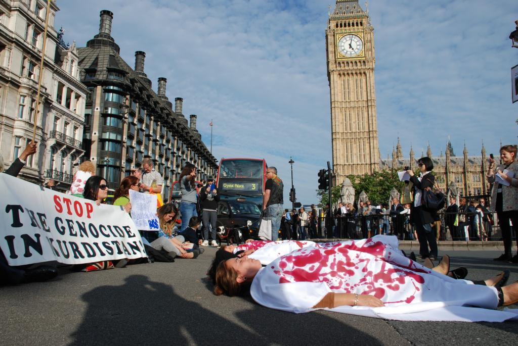 Britanya Hükümeti'ne Katliamlara Sessiz Kalma Çağrısı