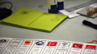 Seçim Salonuna Gün Boyu Londra'da Sekiz Ayrı Noktadan Otobüsler Kalkacak