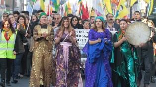 Londra'da Dünya Kobane Yürüyüşü