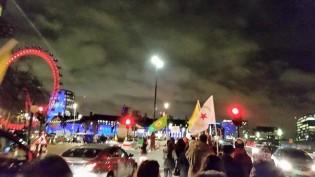 Türk Devletini Protesto Etmek Amacıyla Londra'nın Westminster Köprüsü Trafiğe Kapatıldı