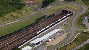 50 kilometrelik tüneli yürüyerek İngiltere'ye giren göçmenin iltica talebi kabul edildi