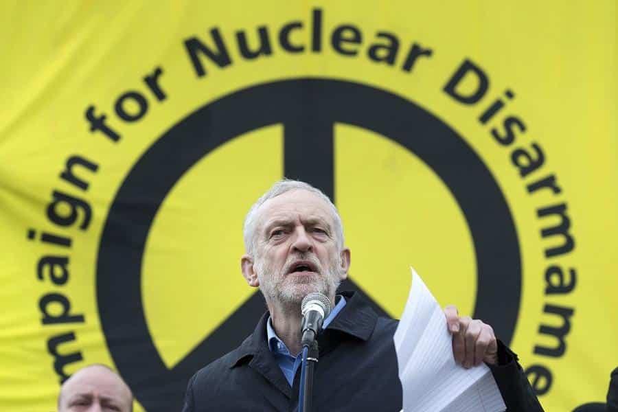 Londra'da Şimdiye Kadarki En Büyük Nükleer Silah Karşıtı Eylem 3