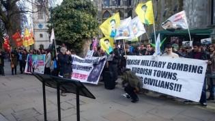 SON DAKİKA: Davutoğlu Londra'da Protesto Ediliyor