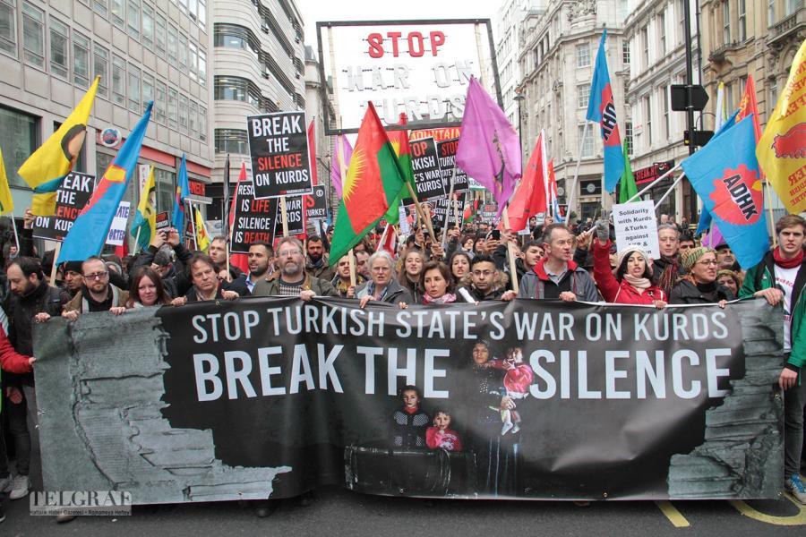 Londra`da büyük yürüyüş (FOTO GALERİ)