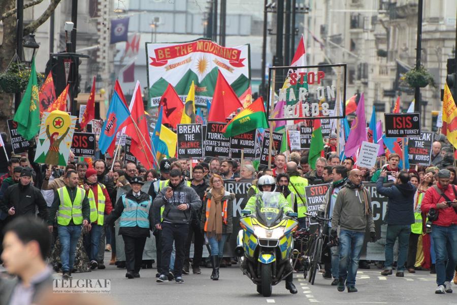 Londra'da Sessizlik Kırıldı: 10 bin Kişi Sur ve Cizre İçin Yürüdü