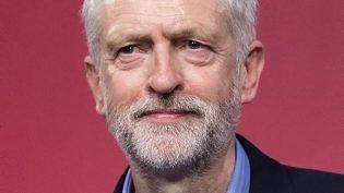 İşçi Partisinde Liderlik Krizi: Jeremy Corbyn Baskılara Rağmen Kalmakta Israrlı