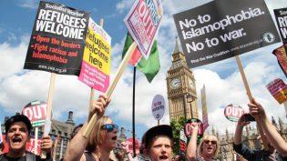 Londra ırkçılığa karşı sokaklara döküldü