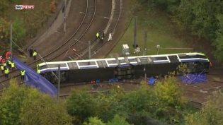 Londra'da Tramvay Kazası: 7 Ölü, 50 Yaralı
