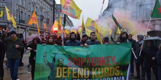 Londra'da Rojava ile dayanışma eylemi