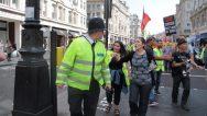 Irkçı Polis Meslekten Men Edildi