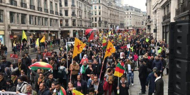 Londra'da on bini aşkın kişi 'işgale son' dedi