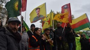 Britanya'da halklar Rojava için alanlara çıktı