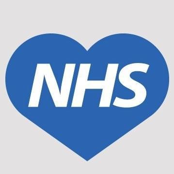 Alkışlar NHS emekçileri için