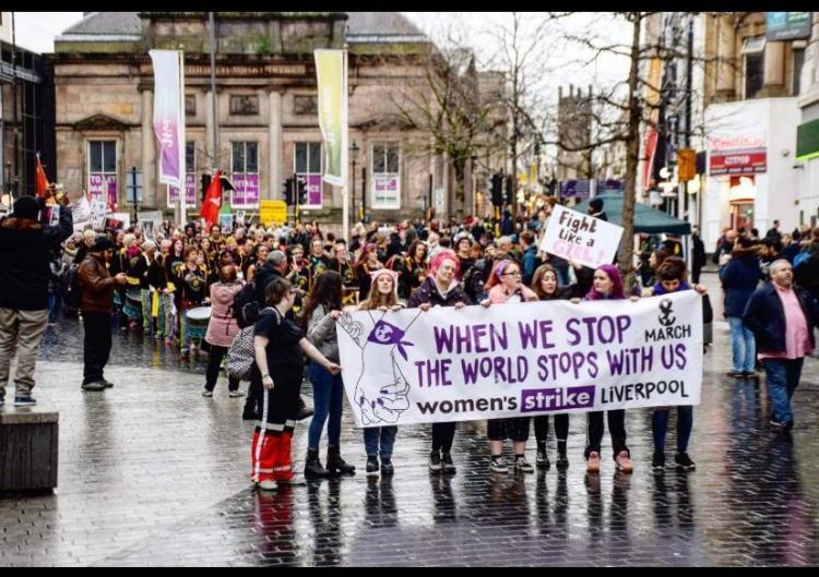 Britanya'da 8 Mart coşkusu