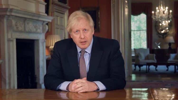Boris Johnson'ın babası hükümetin aksi yönde tavsiyesine rağmen Yunanistan'a uçtu