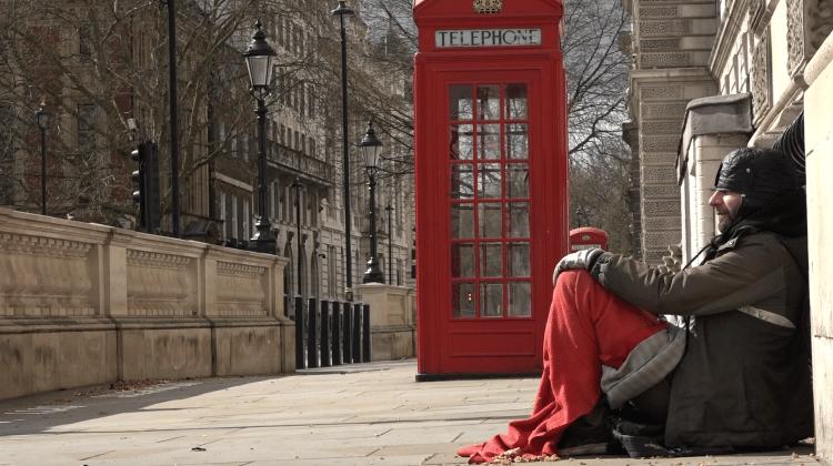 Büyüyen evsizlik krizi yolsuzluğun mirasıdır!