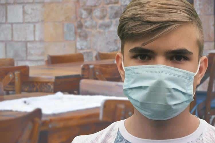 İngiltere'de okullara yüz maskesi zorunluluğu geliyor mu?