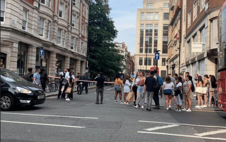 Londra'nın en işlek caddesi Oxford'da bıçaklı saldırı