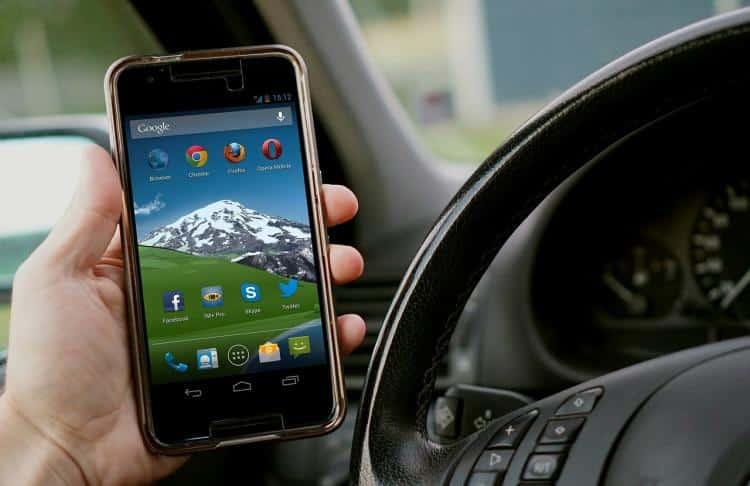 İngiltere'de telefon kullanırken ölümlü kazalara sebep olan sürücülere ömür boyu hapis cezası