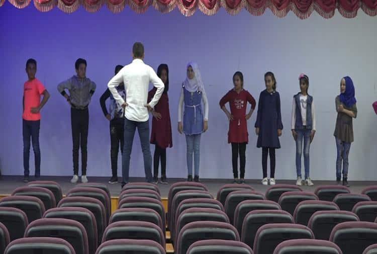 Rakka'da tiyatro küllerinden doğuyor