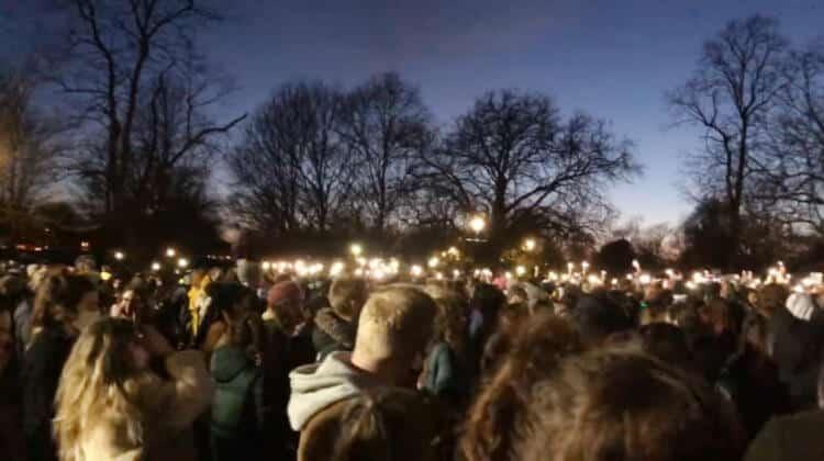 Londra'da 'kadın cinayeti'ne karşı toplananlara polis müdahalesine sert tepki