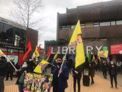 Londra'da Kürtler Öcalan' için alana çıktı
