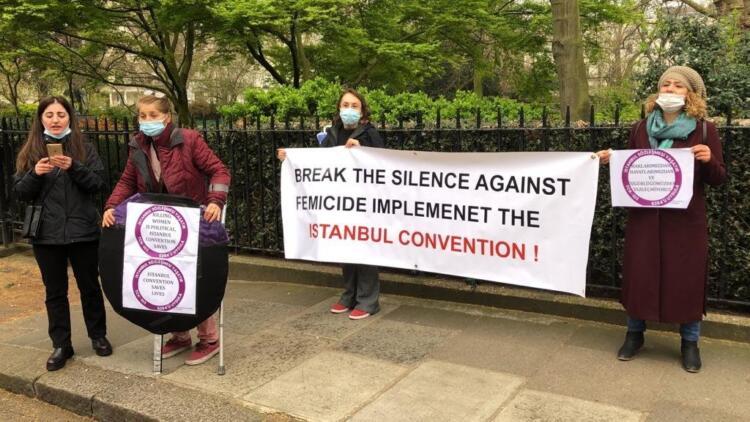 Londra'da İstanbul Sözleşmesinin iptali protesto edildi