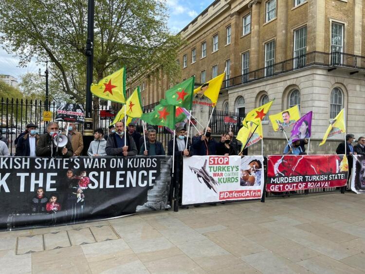 Londra 'işgal' ve 'tecrit' protestosu