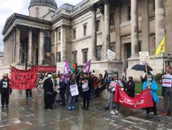 Londra'da kadınlar 'dayanışma' eyleminde buluştu